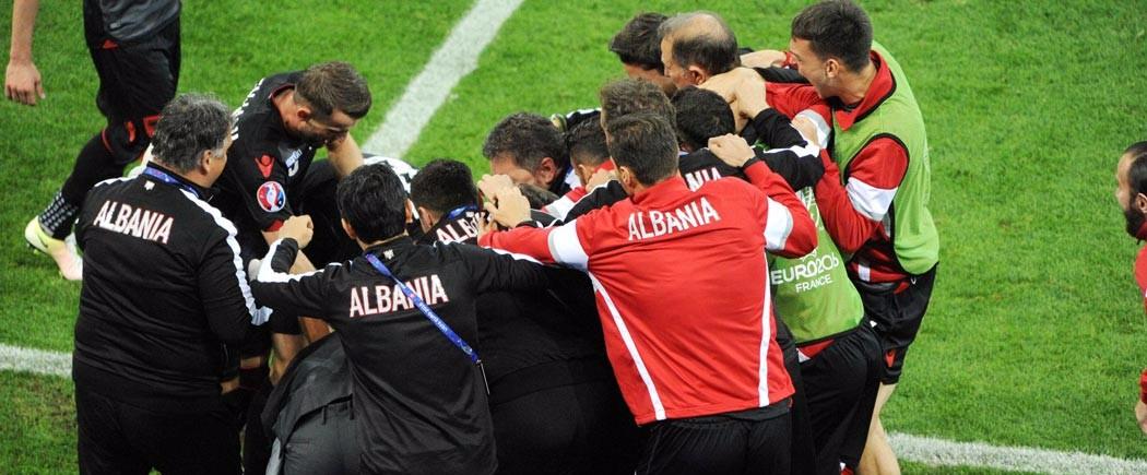 L'Albanie s'envole dans l'histoire