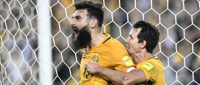 Au bout du suspens, l'Australie bat la Hongrie (2-1) !