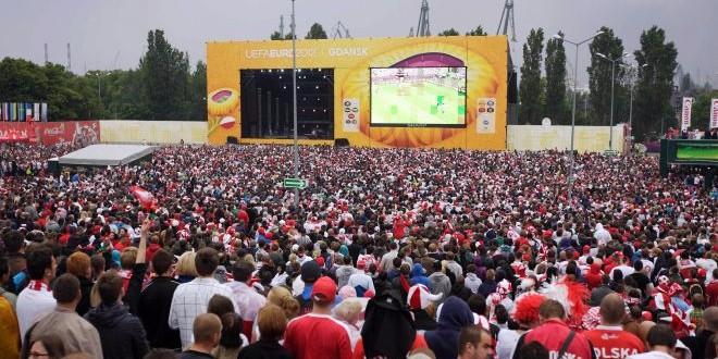 Un écran géant au Champ de Mars pour la finale
