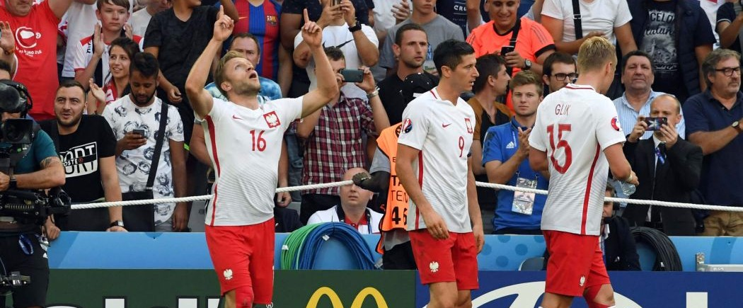 La Pologne défend et gagne