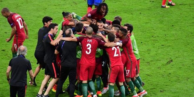 Le Portugal remporte l'Euro 2016 à la Grecque