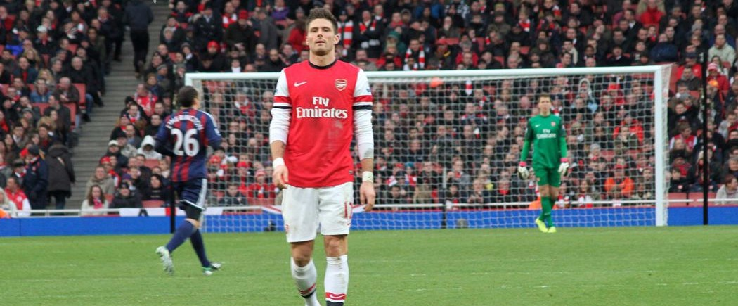 Arsenal coiffe Tottenham pour la seconde place, City 4ème dans la douleur